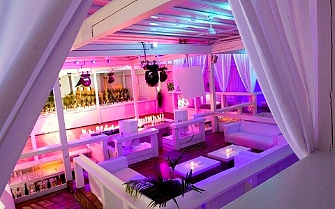 Boedapest hongarije nachtclubs en uitgaan in boedapest - Nachtclub ...